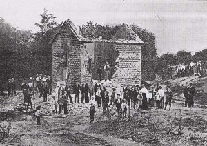 Tramway_cottage_demolition1_1902