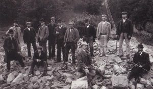Tramway_cottage_demolition2_1902